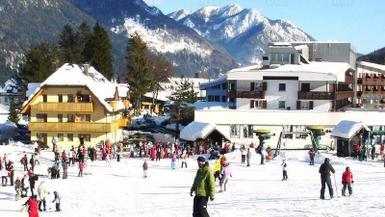 Top 7 Ski Resorts for Beginner Skiers