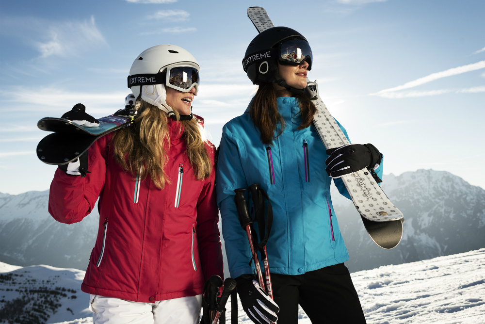 Skiing Vs Snowboarding – How to decide